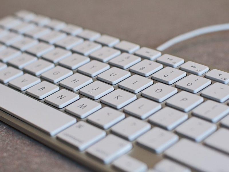 keyboard-white-computer-keyboard-desktop-163117